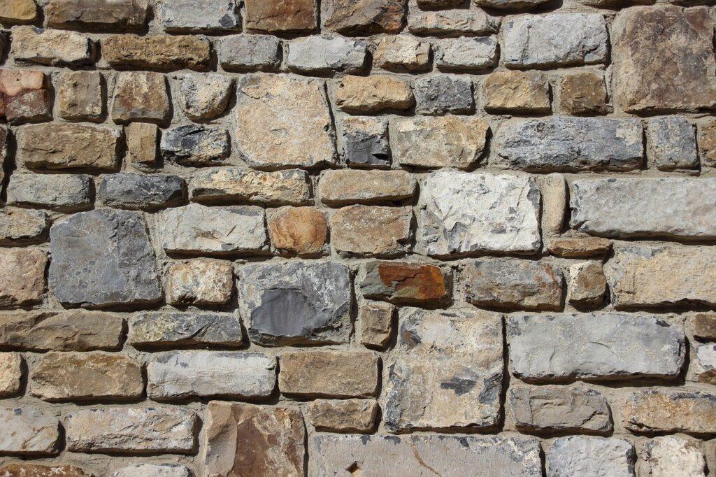stone retention wall